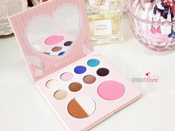 That's Heart Eyeshadow & Blush Palette Inside