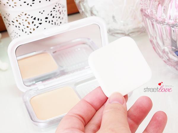 Maybelline White Superfresh Long Lasting UV Cake Powder Sponge