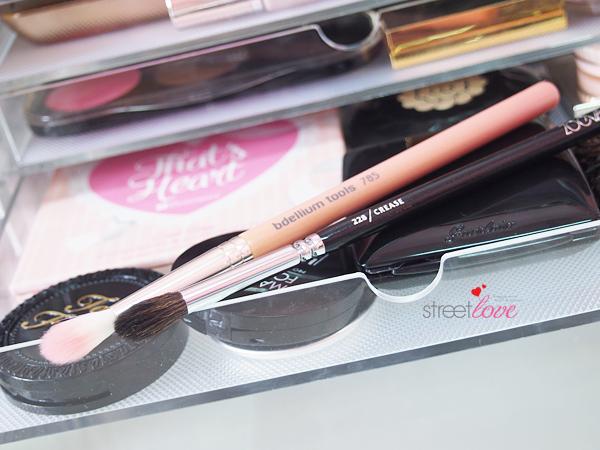 Bdellium Pink Bambu Series 785 Tapered Blending Brush