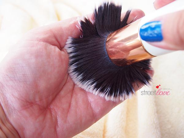 Three Makeup Brush Deep Cleansing Steps Wash