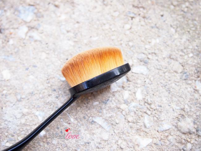 Missha Professional Oval Make Up-Brush 3