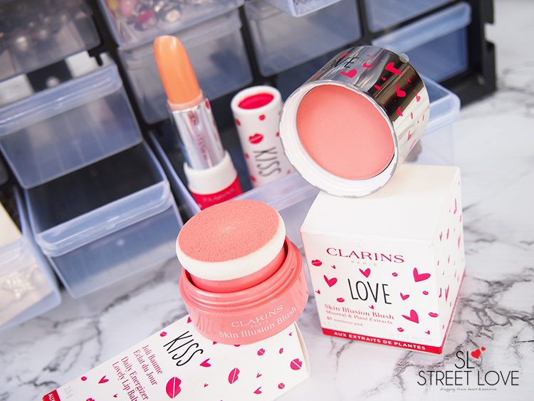 Clarins A Cheek A Kiss 1