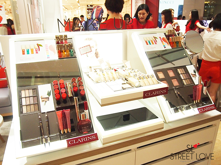 Clarins World's First Retail Kiosk IOI City Mall 4