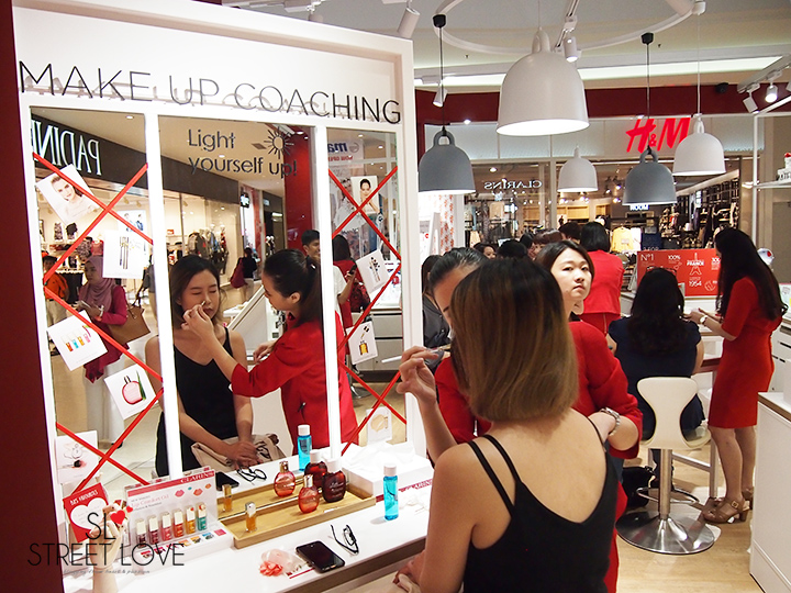 Clarins World's First Retail Kiosk IOI City Mall 5