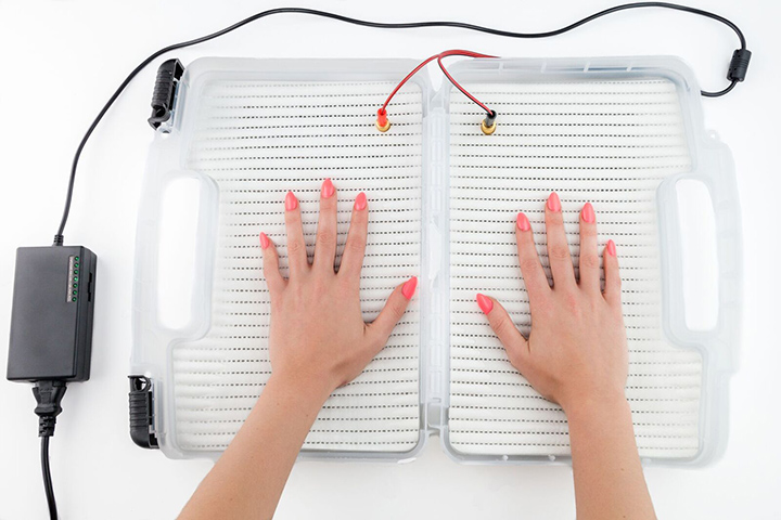 Iontoderma Iontophoresis Machine Hands in Tray