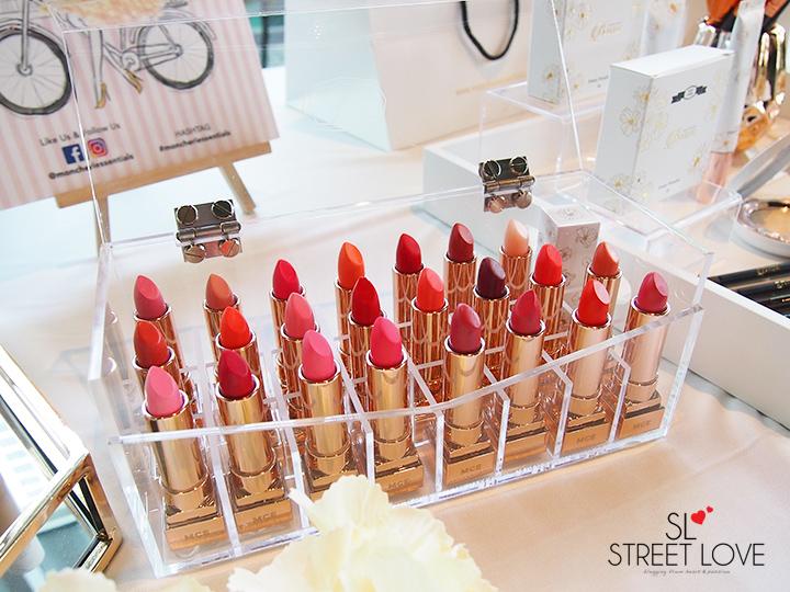 Mon Cheri Glowing Lipstick